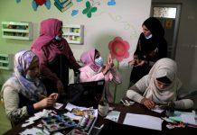 Kreatif, Wanita Gaza dengan Gangguan Pendengar Buat Film Animasi Pendek